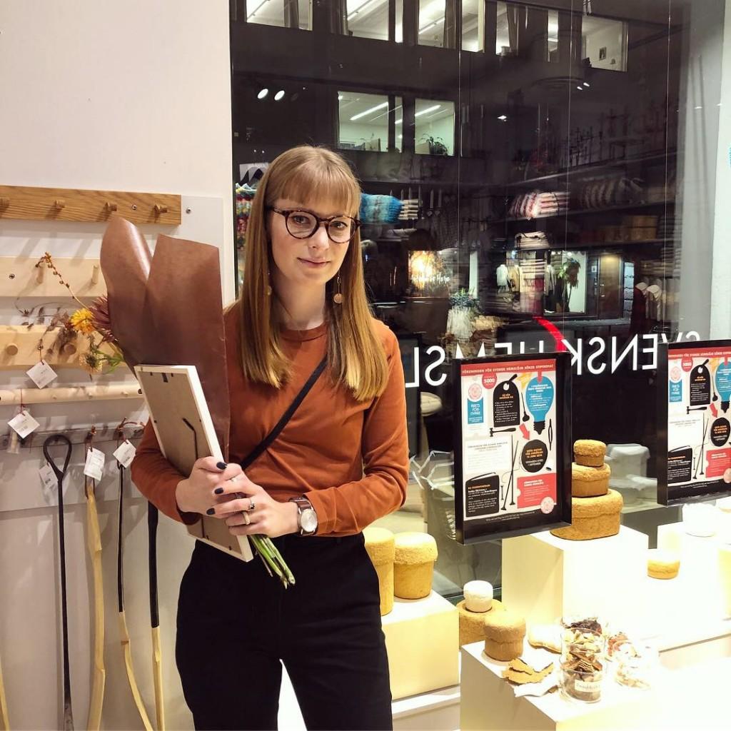 Årets förnyare, Jennie Adén gick ut Beckmans i våras och har fått vårt stipendium för sina askar i ticka. (Foto Frida Arnqvist Engström)