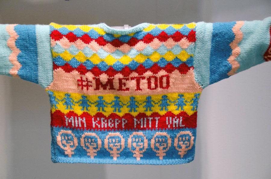 Den handstickade tröjan #metoo av Lina Niklasson fick ett av våra hedersomnämnanden. (Foto Lina Niklasson)